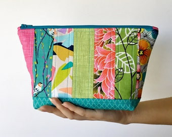 Quilted Zipper Pouch, Patchwork Zipper Pouch, Travel Bag, Large Makeup Bag, Quilted Pouch