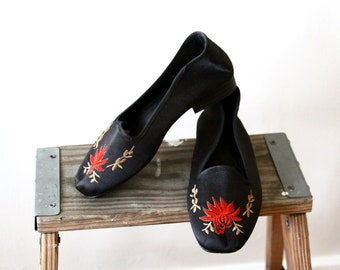 embroidered flats - black satin Asian shoes - womens floral loafers - vegan shoes - US size 5 - UK 3 EU 36