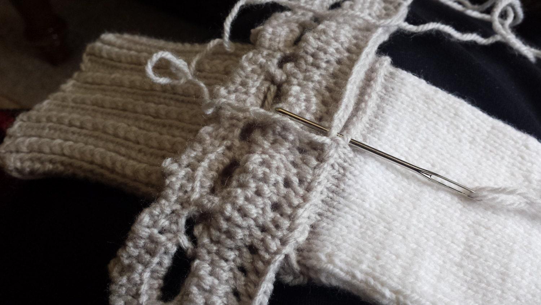 LOOM KNITTING PATTERNS Tiara Loom Lace Embellishment / Loom Knit ...