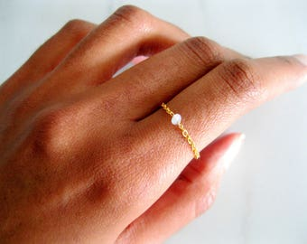 Gold Opal Chain Ring, Opal Natural Ring, October Birthstone Ring, Delicate Gold Rings, Bohemian Gemstone Rings, simple promise ring
