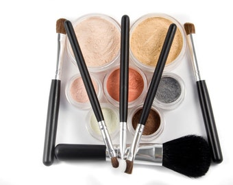 15pc LOVE IT Mineral Makeup Kit - Free Customizations