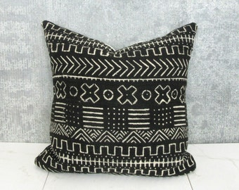 Black and Cream Mudcloth Pillow Cover / African Mud Cloth Bogolanfini Geometric Cotton Linen Neutral Decor Organic Statement Ethnic Bedding