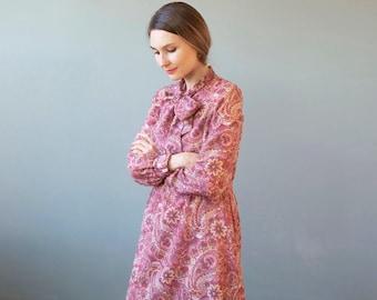rose dress with paisley print motif / bow tie dress / 70s 80s dress / secretary dress / fall winter dress