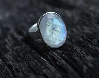 Oval Faceted Rainbow Moonstone Ring set in Sterling Silver with Beaten Band - Size 6.5 US - Moonstone Jewelry - Gemstone Jewellery