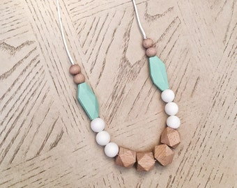 Wood & Silicone Beads Teething Necklace / Nursing Necklace Toy Jewelry for Mom and Baby Shower Gift
