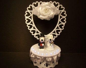 SNOOPY with White LIGHTS Peanuts Bride and Groom Funny Cute Wedding Cake Topper