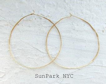 Delicate Geometric Hammered  Hoop Earring/Gold Earring/Goldfilled Hoop/Hoop/Gold delicate Hoop/Geometric Hoop/Thin Hoop/Hammered Gold hoop