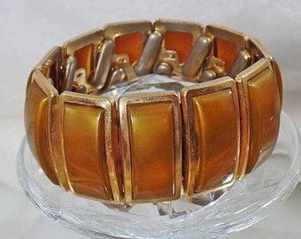 Vintage Brown Moonglow Expansion Bracelet.  Allegro. 1950s.  Brown Moonglow Lucite Gold Tone Expansion Bracelet.
