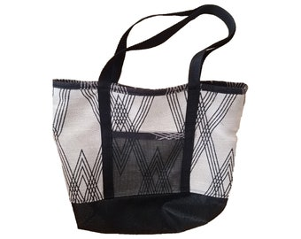 New Tote* Mesh bottom Beach bag with inside pockets