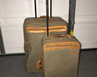 Hartmann tweed luggage w/2 wheels lots of 2 bags