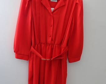 Red Retro Dress with Belt and Gold Buckle