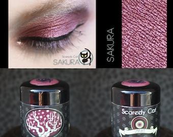 Red Eye Shadow - Loose Mineral Pigment Eyeshadow - Scaredy Cat - SAKURA - 5 mL Sifter