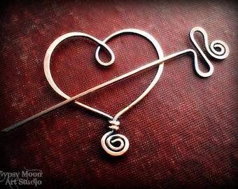 Kupfer Brosche.  Kupferdraht Herz Schal Pin zum Valentinstag.