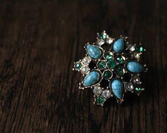 Vintage costume brooch // turquoise, emerald green clear rhinestones // costume jewellery