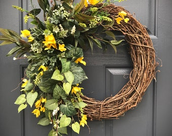 Spring Wreaths, Forsythia Wreaths, Yellow Forsythia, Door Wreath for Spring, Gift for Her, Housewarming, Spring Door Decor, Yellow Wreaths