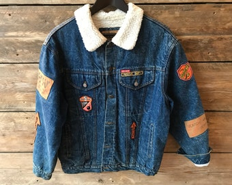 Vintage 90's denim jacket with both collar