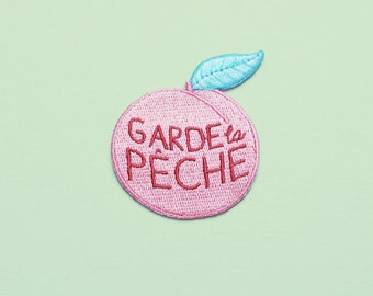 """Iron on patch """"Garde la pêche"""" peach and green"""