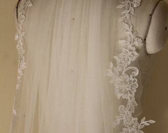 Bridal Lace Veil, Elbow Length Veil, Bridal Accessory made of Soft Tulle and Lace Flower Edge, Wedding Veil.