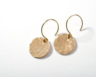 Gold Earrings, Gold Hammered Earrings, 14K Gold Earrings, Gold Disk Earrings, Gold Circle Earrings, Everyday Earrings, Gold Drop Earrings