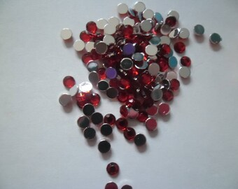 100 half red rhinestone for embellishment 4 mm