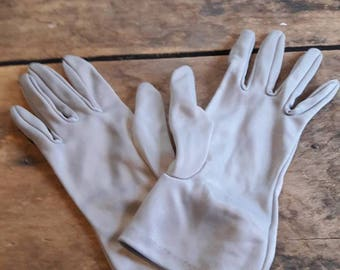 Gray vintage glovesVintage gloves for wedding/prom/costume