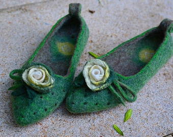Felted Ballet Flats Stylish Slippers Flat Ballerinas Women Clogs Water Lily Fairytale-gift Mom life present Pointy Flats Gift-for-mother