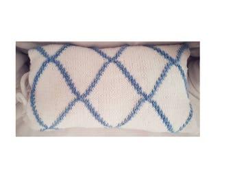 Diamond Lattice Pillowcase - Knitting Pattern