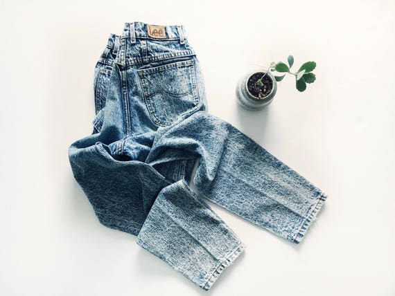 Vintage Washed High Rise Lee Jeans // 25