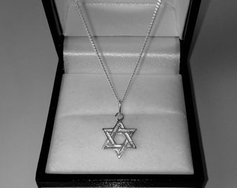925 Sterling Silver Star of David Pendant Necklace.