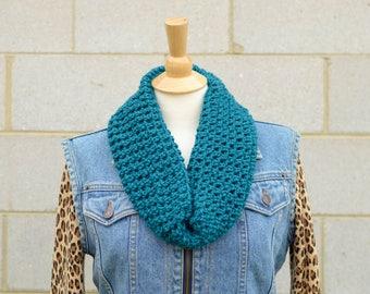 Handmade Infinity Scarf,  Crochet Teal Infinity Scarf, Chunky Crochet Teal Cowl, Single Loop Scarf, Winter Accessories, Handmade Knitwear