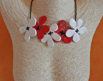 NECKLACE 5 flowers
