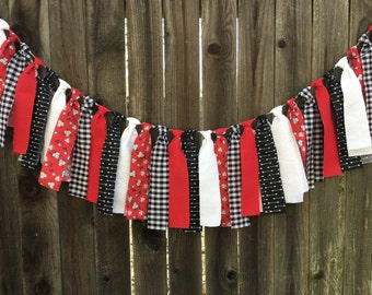 Valentines-Red/Black and White Banner-Streamer Banner -Rag Tie Banner -Photography Prop -Room Decor -Fabric Garland