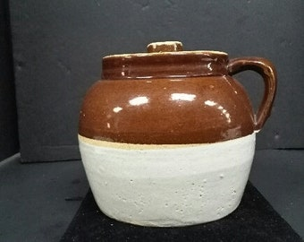 Vintage Handled Bean Pot with Handle and Top