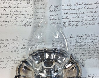 Vintage Oneida Silver plate candle holder with glass chimney