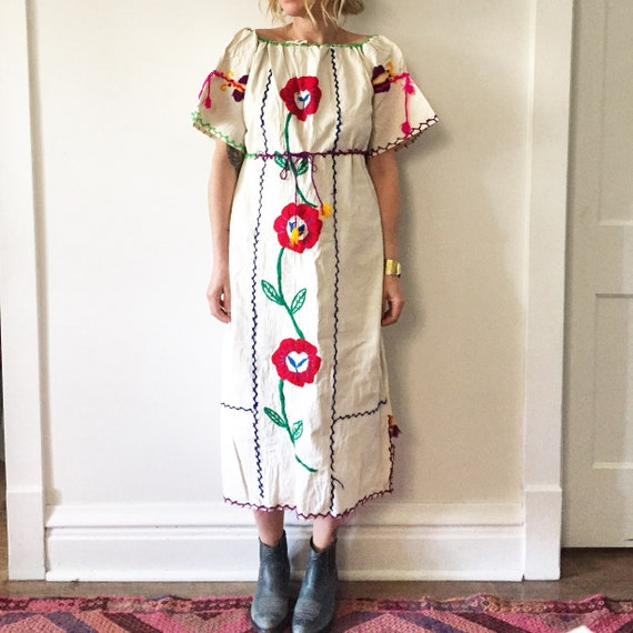 Vintage 70s Embroidered Mexican Dress, BOHO Hippie Caftan , Oaxaca Dress