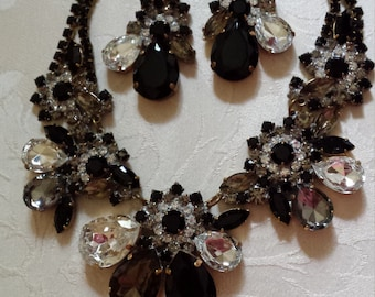 Vintage necklace with clip matching earrings