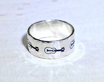 Guitar stamped sterling silver ring with hammered borders for musical inspiration - 925  RG638