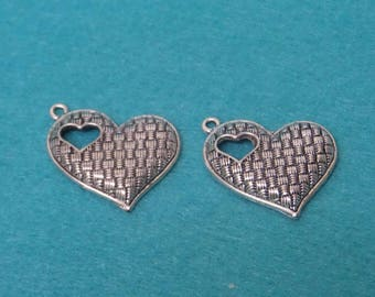 2 charms pendants large hearts in hearts