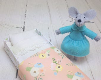 Mouse in matchbox felt mouse blue Vintage floral paper plushie animal stocking stuffer gift for kids gift for girl turquoise