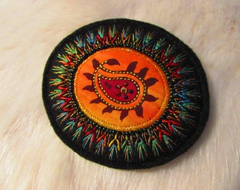 Textile Brooch - Hand Embroidered (Ap18-03)