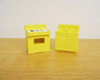 Fisher Price Little People Yellow Kitchen Stove and Sink