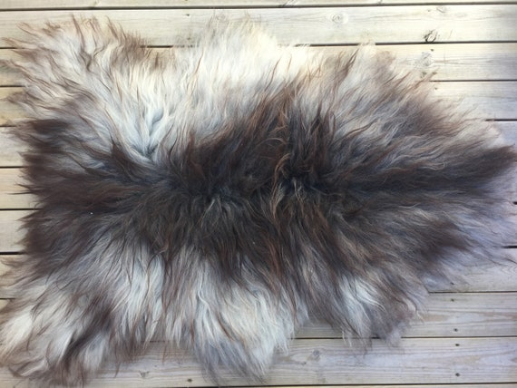 Decorative Sheepskin rug supersoft rugged throw from Norwegian norse breed long haired sheep skin grey white 18066