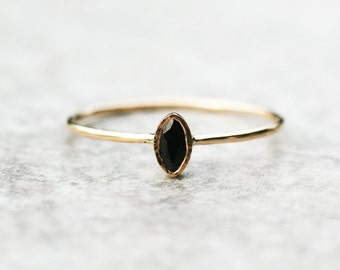 Dark blue sapphire ring, 14k gold ring, September Birthstone, Gemstone ring, Engagement ring, Birthstone ring, Sapphire jewelry