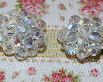 The Discerning Ladies' Lovely Aurora Beaurolis Vintage Clip Earrings
