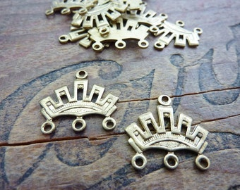 Brass Clasp Art Deco Style Crown Three to One End Clasp Multiple Strand Clasp (1 Pair)