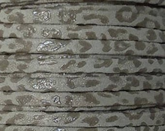 Leather flat way leopard 5 mm sold by 20 cm