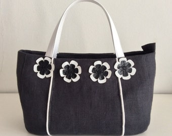 Linen bag with flowers