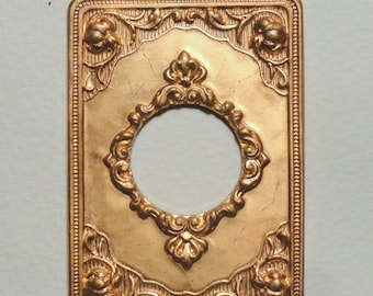 Victorian Style Keyhole Miniature Frame Front