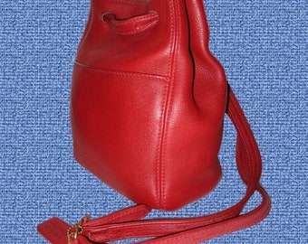 Vintage Coach Sonoma Red Leather Shoulder Bag.Made in USA .# 4923