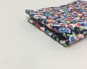 "1930s Novelty Print Fabric / vintage 30s Cotton Floral Shirt Dress Fabric /  1 yard 28"""